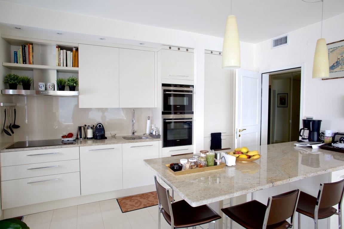 Come arredare una cucina in armonia con il resto della casa