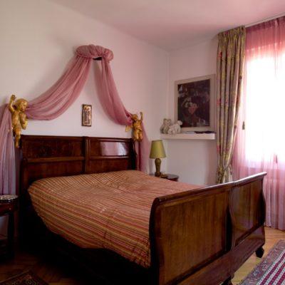 Come arredare una camera da letto, tra scelte di stile e dettagli
